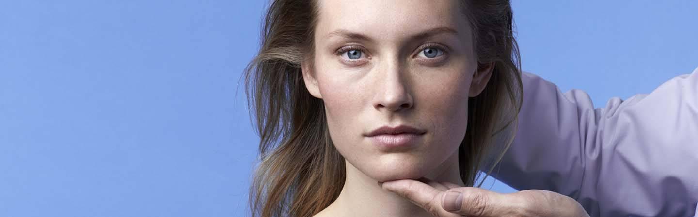 laroche-posay-footer-model-right-dermato